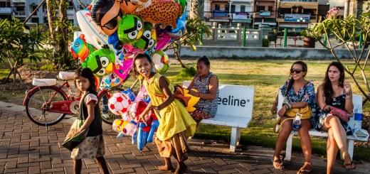 Video Interviews Vientiane Balloons Beggars Tourists Vientiane Laos Photo Ooaworld