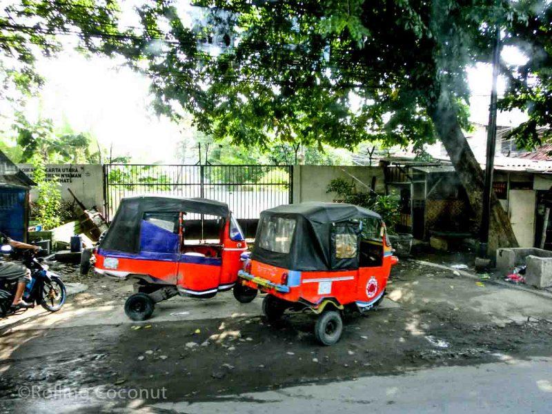 Tuk Tuk Jakarta Indonesia Photo Ooaworld