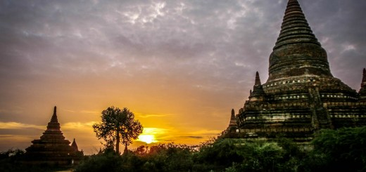 Puple Orange Sunset Stupa Bagan Myanmar Ooaworld Rolling Coconut Photo Ooaworld
