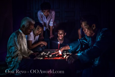 Hoi An Full Moon Lantern Festival Chess Players Vietnam Photo Ooaworld