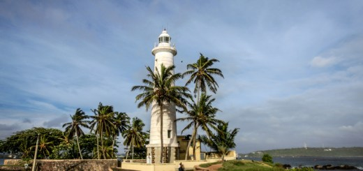 Galle Lighthouse Sri Lanka ooaworld Rolling Coconut Photo Ooaworld