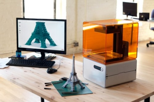 formlabs-3d-printer-on-desk-550