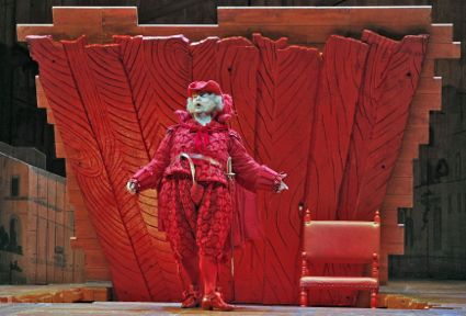 16 FALSTAFF IN RED OUTFIT