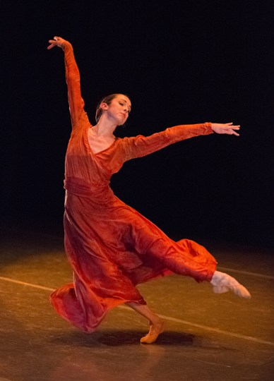 "In Nacho Duato's ""Cor Perdut,"" a highlight of her final program. Photo: Blaine Truitt Covert/2014"