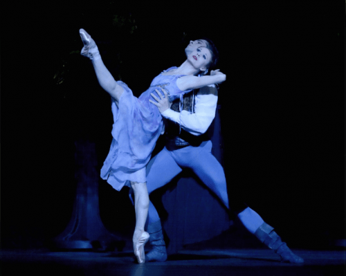 """Night reflections: Larsen with frequent partner Artur Sultanov in """"A Midsummer Night's Dream"""" at Oregon Ballet Theatre. Photo: Blaine Truitt Covert"""