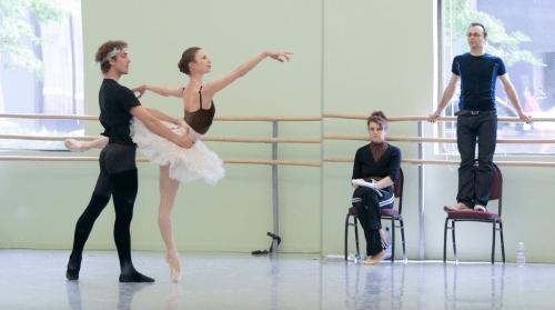 """The best-laid plans: Jon Drake, Gavin Larsen, ballet master Lisa Kipp, choreographer Christopher Stowell rehearsing """"The Sleeping beauty"""" at Oregon Ballet Theatre, 2007. Photo: Blaine Truitt Covert"""