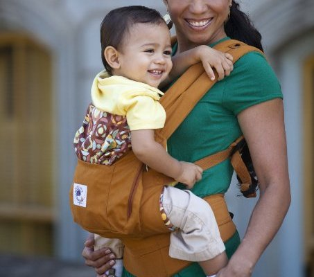 Baby wearing is good for mama when the carrier is ergonomically sound like with this Ergobaby carrier.