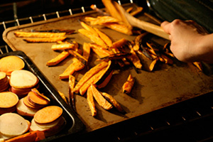 Sweet potato fries are a healthy toddler snack