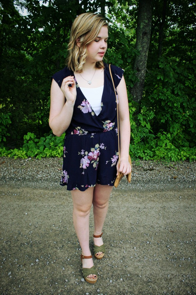 Rompin' Around. Floral romper, platform sandals, beige cross body.