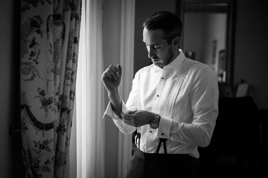 The groom prepares for the ceremony