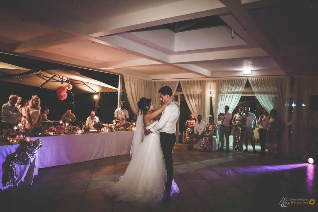 Hollie & Dean have a romantic first dance