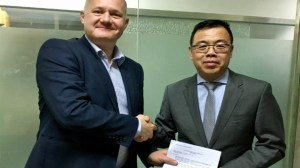 9815-ak-medical-contract-signing