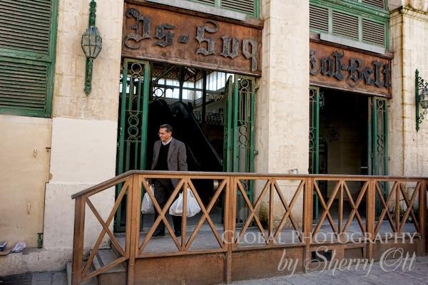 Is-Suq tal-Belt market