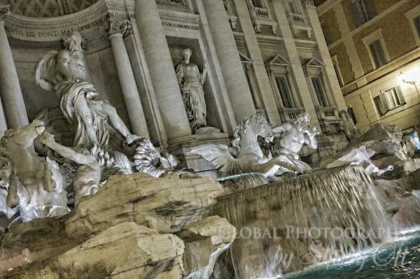 trevi fountain night