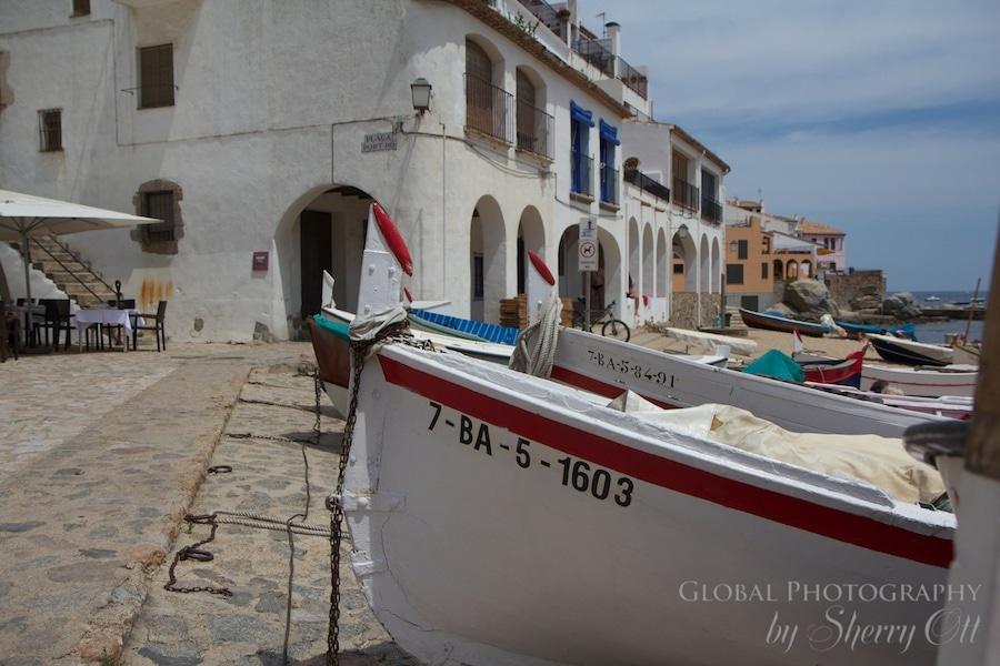 fishing boat in calella de palafrugell