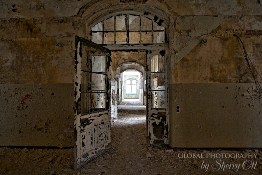 abandoned building photos