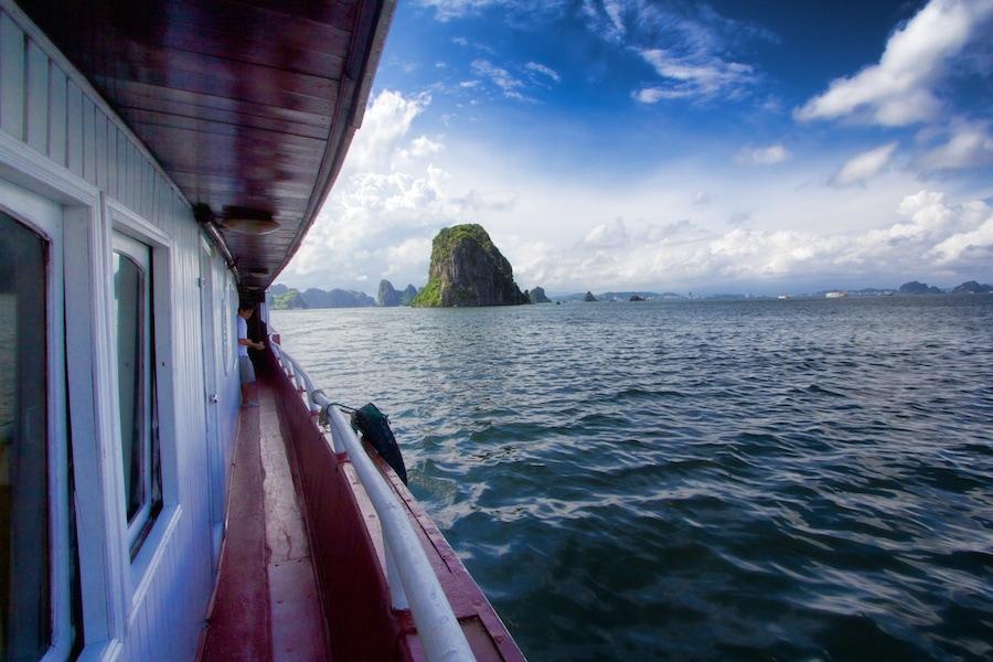 Ha long bay junk boat