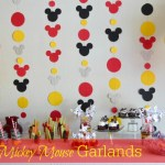 DIY: Mickey Garland Decoration