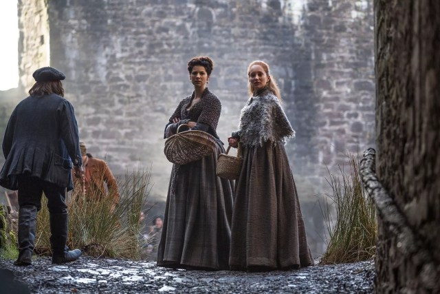Caitriona Balfe and Lotte Verbeek (Claire Randall Fraser and Geillis Duncan)