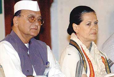 Now  To Fill A Void Dutt died saddened by the Nirupam affair  the party grapples with the loss