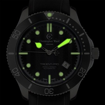 C60 TRI SKS LUME 2 thumb Christopher Ward C60 Trident Bond Review