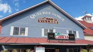 Quechee Gorge Village Shopping Area