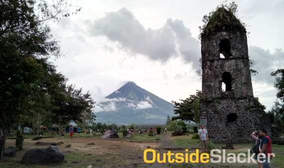 Cagsawa Ruins and Mayon Volcano