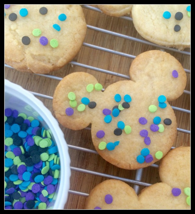 not-so-spooky-mickey-mouse-halloween-cookies-ready-to-eat