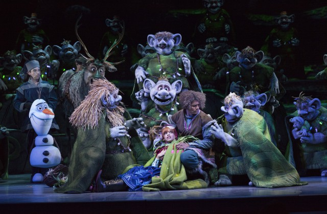 frozen-at-the-hyperion-theater-olaf1