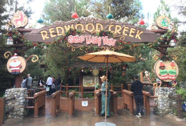 disneyland-holidays-redwood-creek