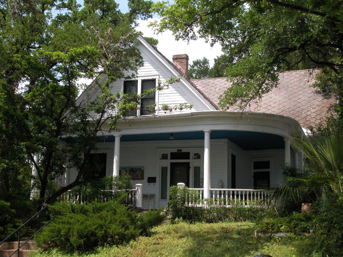16-white-house-metal-roof