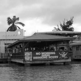 Belize - Guatemala: Einer der letzten, eher farblosen Eindrücke von Belize vor der Weiterreise nach Flores