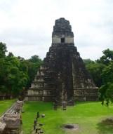 Guatemala, Tikal: Tempel I oder Tempel des Großen Jaguars ist die Grabstätte von Ah Cacau