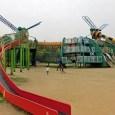 蜻蛉池公園の遊具で大はしゃぎ