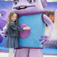 Katie's mall pals with movie star from another planet