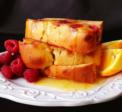 Paleo Raspberry Almond Cake
