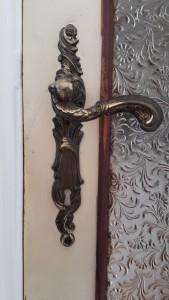 A magnificent door handle