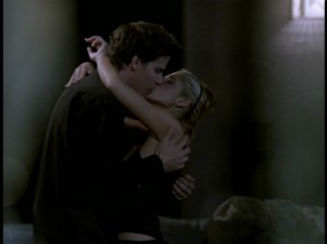 buffy-angel-kissing-1024x767