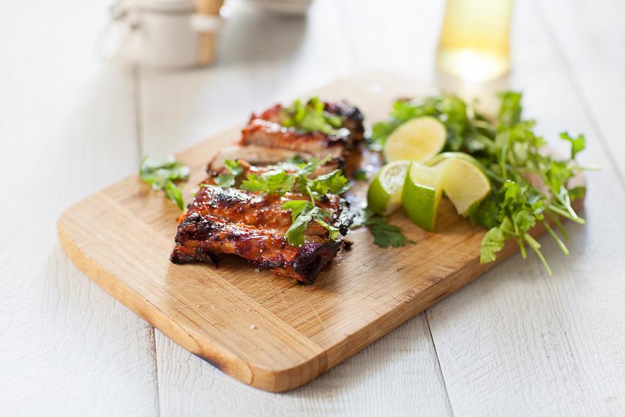 Ribs marinés et grillés au BBQ -Travers de Porc Sauce aigre douce