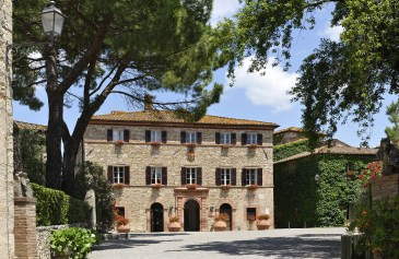 Tuscan Borgo for large Weddings in Italy