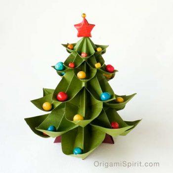 origami-christmas-tree-450