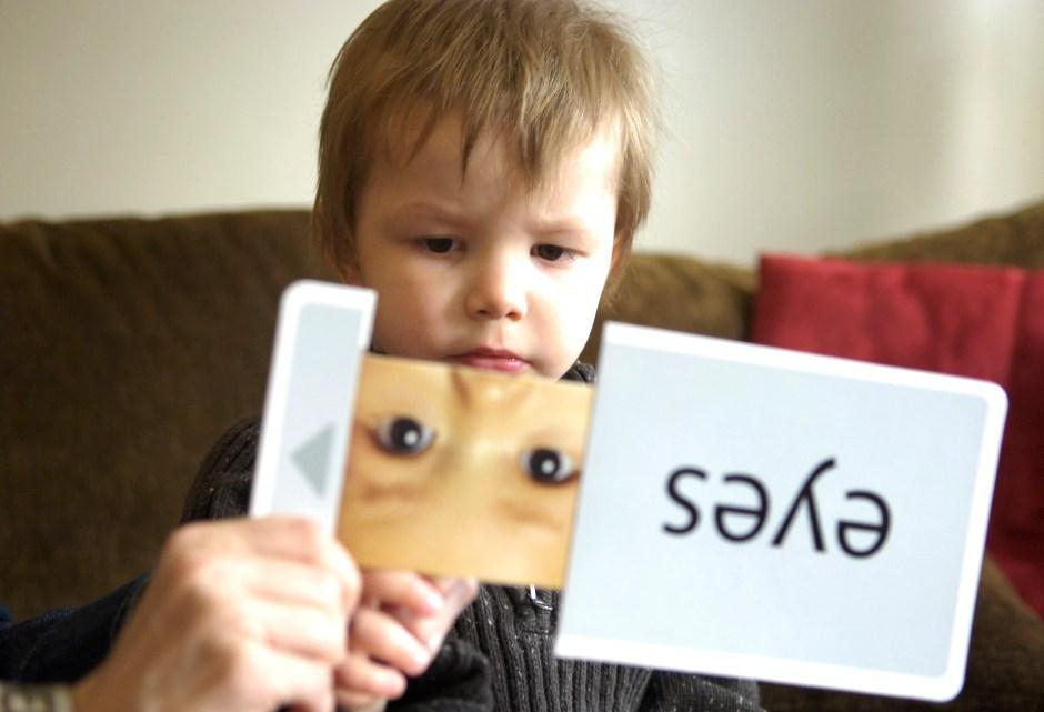 """Dzięki pomocom typu """"flash cards"""" nauka języka angielskiego może być bardzo aktywizująca"""