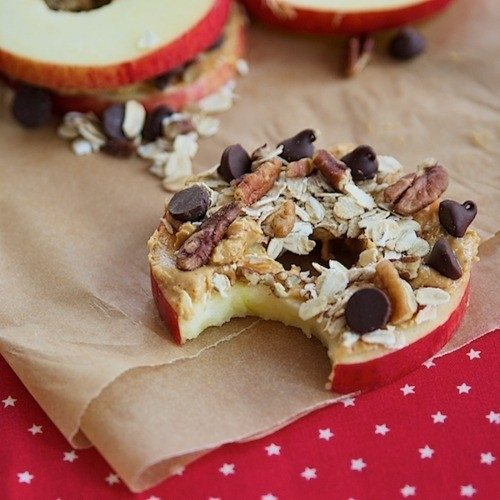 6 apple slices with butter and oats