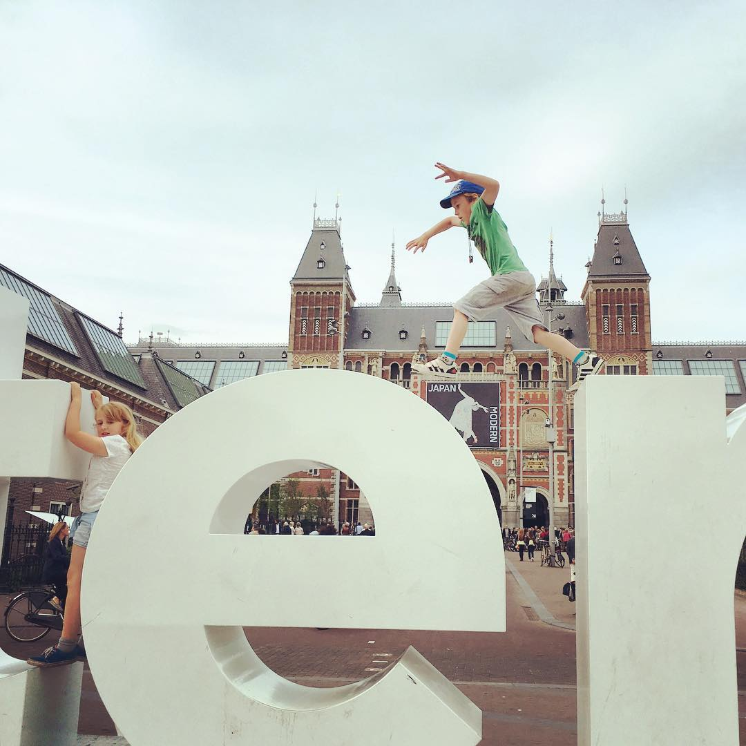 3 Things to do in Amsterdam with kids, a Treasure Hunt with KLM Airlines