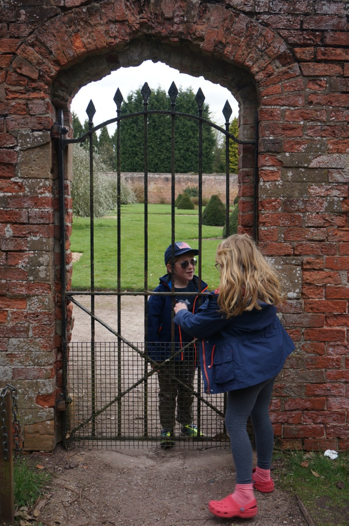 Newstead Abbey Nottinghamshire pictures - 3