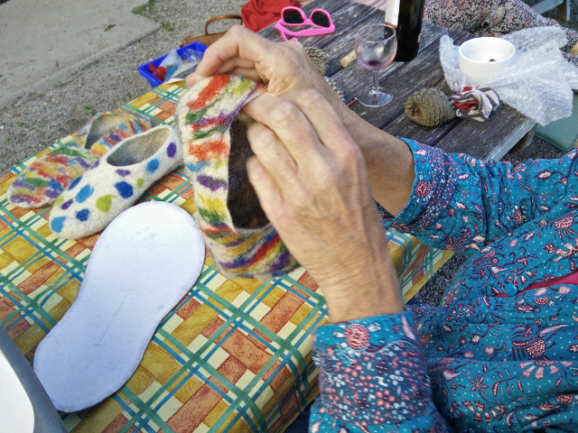 Hand felted slippers: Making the heel of the slipper