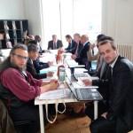 Vue d'une séance de travail de l'UNPO dans les bureaux de Bruxelles, avec les représentants du Tibet, Oromo, District de Columbia, Khmers Kroms, Balochistan, Turkestan, Afrikaaners, Ogaden, et Bretagne.