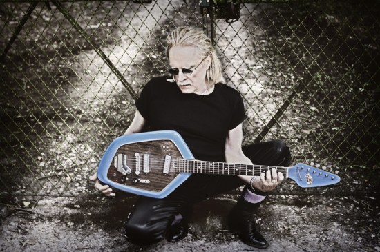 christof guitare.jpg CHRISTOPHE (2) RADIOHEAD
