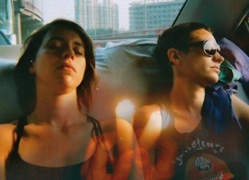 Julia et Carla in the backseat MANSFIELD TYA : « NYX »