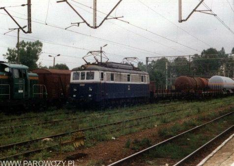 ET21-57 w malowaniu z przed 2003roku. Fotografia: Miłosz Mazurek